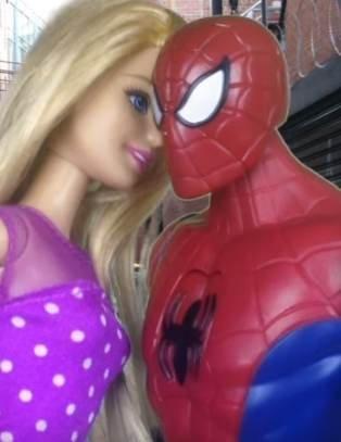 Мультик Барби и Человек Паук смотреть онлайн